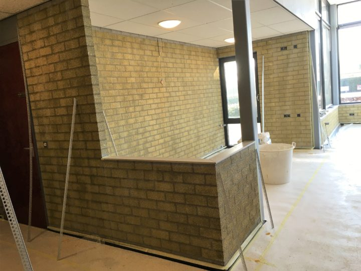 Behangen over stucwerk stuc behang renovlies glasweefsel for Glasvlies behang plakken